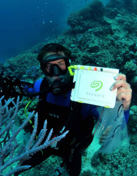 Seagate Australia - Great Barrier Reef Legacy Campaign with Dr Dean Miller